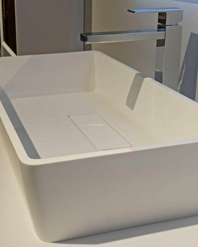 Lavabo di appoggio bianco opaco cm.63