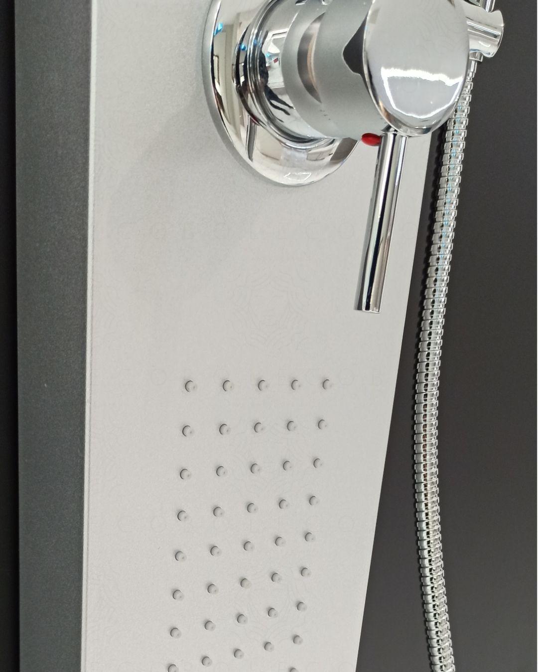 Colonna doccia Irene con multigetto e completa di doccino